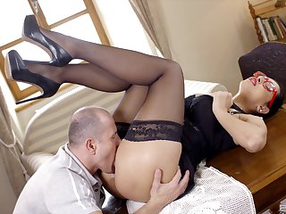 Office MILF tries a bit of dick on the desk