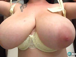 Amie Taylor: The Sexy Girl-Next-Door - XLGirls