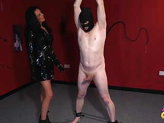 Foxy mature Jess Scotland in latex drops on her knees to give head