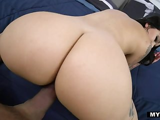 Legendary POV video featuring curvaceous Latin babe Carolina Cortez